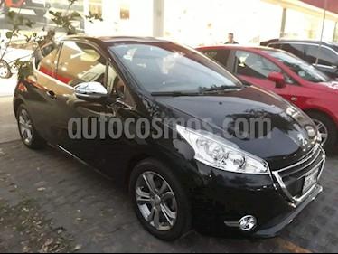 Foto venta Auto Seminuevo Peugeot 208 1.6L Feline (2015) color Negro Perla precio $165,000