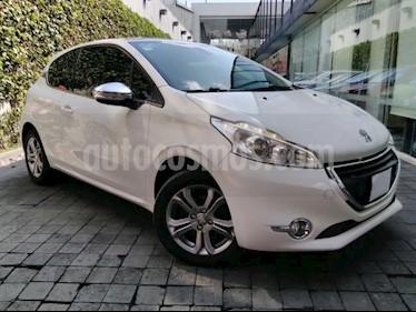 Foto venta Auto usado Peugeot 208 3p Feline L4/1.6 Man (2015) color Blanco precio $165,000