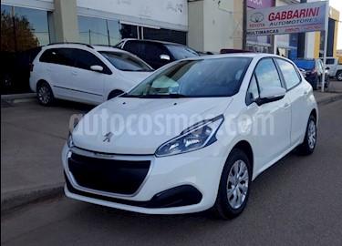 foto Peugeot 208 Active 1.6 usado (2018) color Blanco precio $588.000