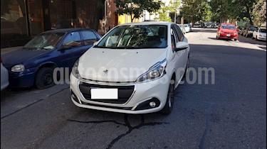 Foto venta Auto usado Peugeot 208 Allure 1.5 NAV (2018) color Blanco Banquise precio $465.000