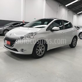 Foto Peugeot 208 Allure 1.6  usado (2013) color Blanco precio $439.293