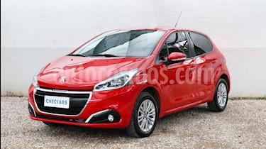 foto Peugeot 208 Allure 1.6  usado (2018) color Rojo precio $647.000