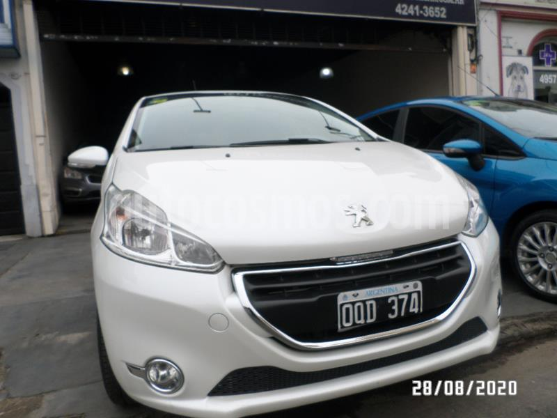Peugeot 208 Allure 1.6 Aut NAV usado (2015) color Blanco precio $885.000