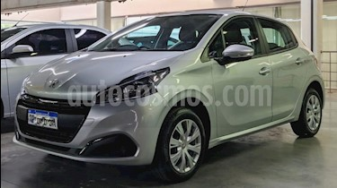 Peugeot 208 Active 1.6 usado (2019) color Gris Claro precio $750.000