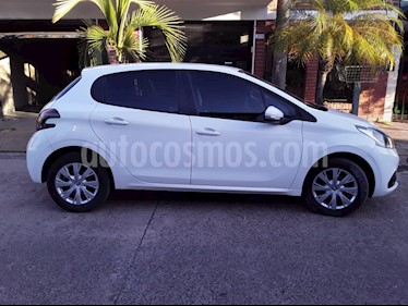 Peugeot 208 Active 1.5 usado (2017) color Blanco Banquise precio $890.000