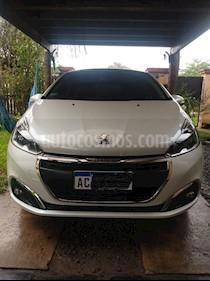 Peugeot 208 Feline 1.6 usado (2018) color Blanco Banquise precio $1.100.000