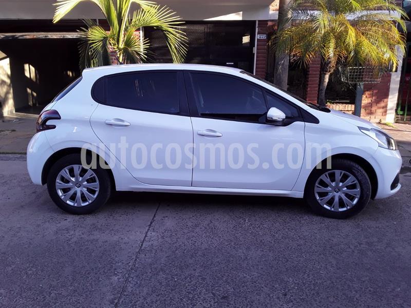 Peugeot 208 Active 1.5 usado (2017) color Blanco Banquise precio $940.000