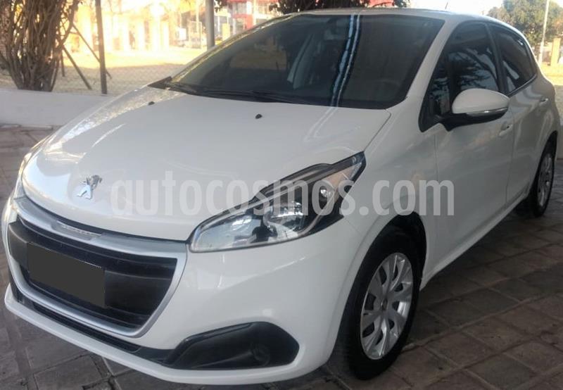 Peugeot 208 Active 1.6 usado (2017) color Blanco precio $815.000