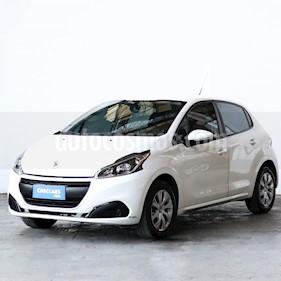 Peugeot 208 Active 1.6 usado (2017) color Blanco Banquise precio $600.000