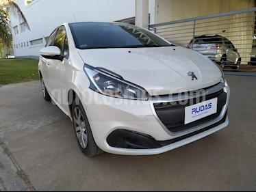 Peugeot 208 Active 1.5 usado (2017) color Blanco Banquise precio $730.000
