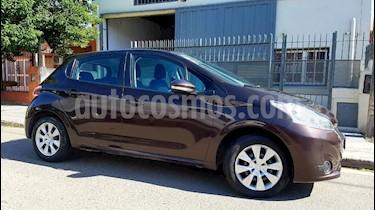 Peugeot 208 Allure 1.5 NAV usado (2014) color Gris Oscuro precio $435.000