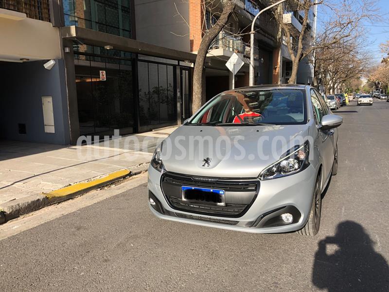 Peugeot 208 Feline 1.6 Tiptronic usado (2020) color Plata precio $1.400.000