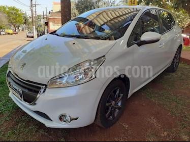 Peugeot 208 - usado (2015) color Blanco precio $490.000