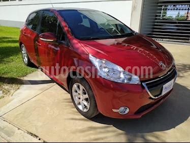 Peugeot 208 Allure 1.5  usado (2015) color Rojo Aden precio $510.000
