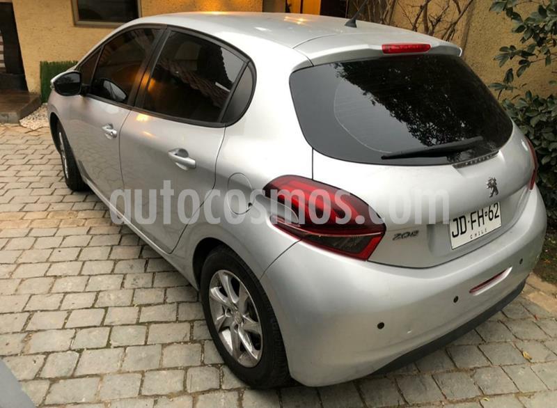 Peugeot 208 1.6L 5P Active Pack HDi usado (2017) color Gris Aluminium precio $7.690.000