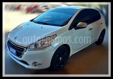 Foto venta Auto usado Peugeot 208 Feline 1.6 Pack Cuir (2016) color Blanco precio $626.000