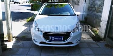 Foto venta Auto usado Peugeot 208 Feline 1.6 Pack Cuir (2016) color Blanco precio $320.000