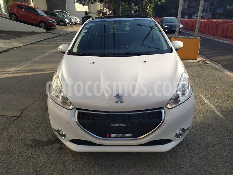 Peugeot 208 1.6L Allure 3P usado (2015) color Blanco precio $127,000