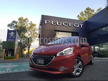 Peugeot 208 5p 1.6 ALLURE SWAROVSKI 5ptas TA usado (2016) color Rojo precio $185,900