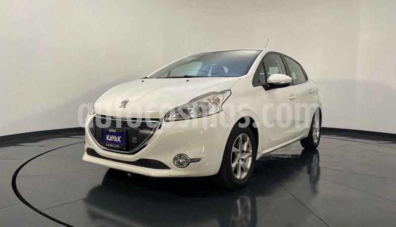 Peugeot 208 1.6L Allure usado (2014) color Blanco precio $119,999