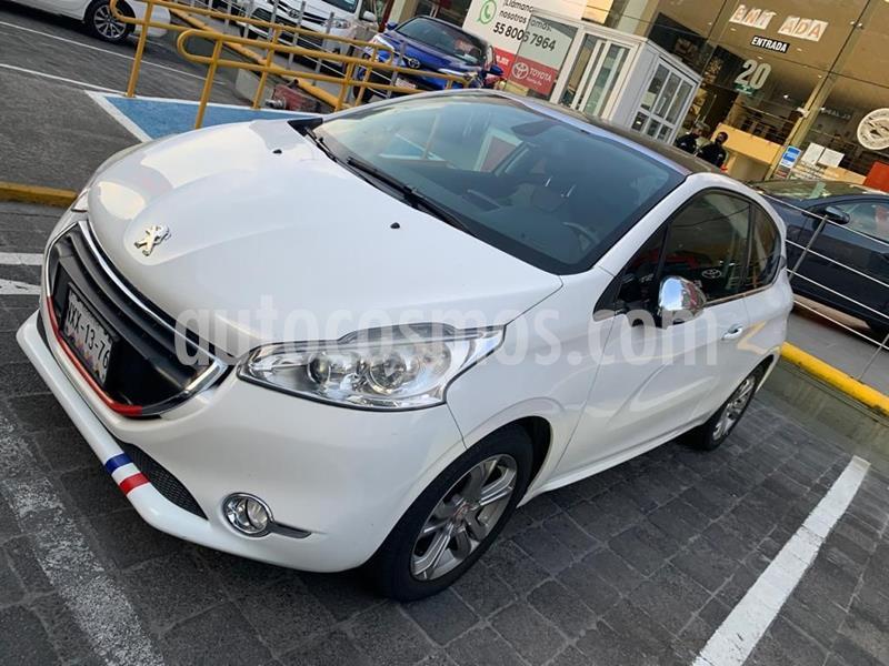 Peugeot 208 1.6L Feline 3P  usado (2014) color Blanco precio $145,000