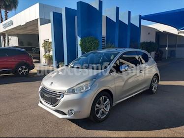 Peugeot 208 FELINE1.6L 3 PUERTAS BVM usado (2015) color Plata precio $120,000