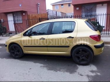Peugeot 307  XR  usado (2003) color Amarillo precio $2.600.000