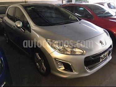 Peugeot 308 5Ptas. 1.6 HDi Feline (115cv) usado (2014) color Gris Plata  precio $820.000