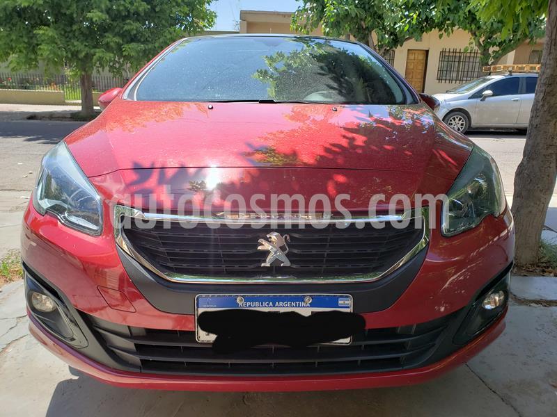 Peugeot 308 Allure NAV usado (2016) color Rojo Rubi precio $1.200.000