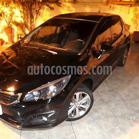 Peugeot 308 Feline THP usado (2016) color Negro Perla precio $850.000