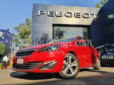 Peugeot 308 5p Feline L4/1.6/T Aut usado (2016) color Rojo precio $214,900