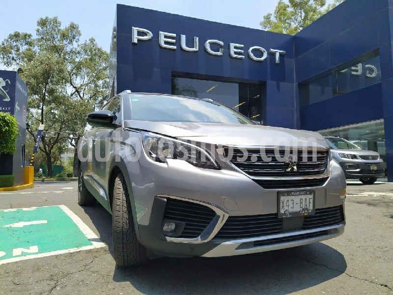 Peugeot 5008 Allure Pack usado (2019) color Gris precio $439,900