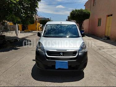 Peugeot Partner 1.6L  usado (2019) color Plata precio $225,000