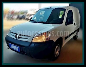 Foto Peugeot Partner Furgon 1.4 Confort PCL usado (2017) color Blanco precio $545.000