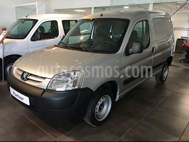 foto Peugeot Partner Furgón Confort 1.6 usado (2019) color Gris Aluminium precio $658.000