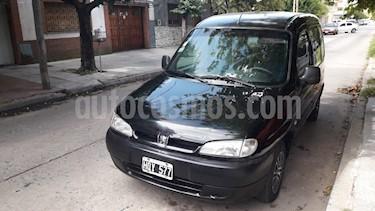 Peugeot Partner Urbana 1.4 usado (2008) color Negro precio $160.000