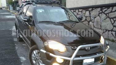 "Foto venta Auto usado RAM 700 Club Cab Adventure AM/FM/CD TS 6"" (2016) color Negro precio $180,000"