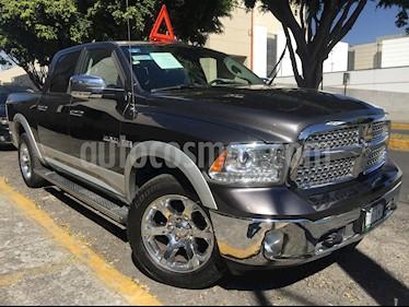 Foto venta Auto usado RAM RAM 4p Crew Laramie V8/5.7 Aut 4x4 Hemi (2017) color Plata precio $580,000