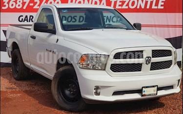 RAM RAM Hemi Sport Regular Cab 5.7L 4x2 usado (2015) color Blanco precio $275,000