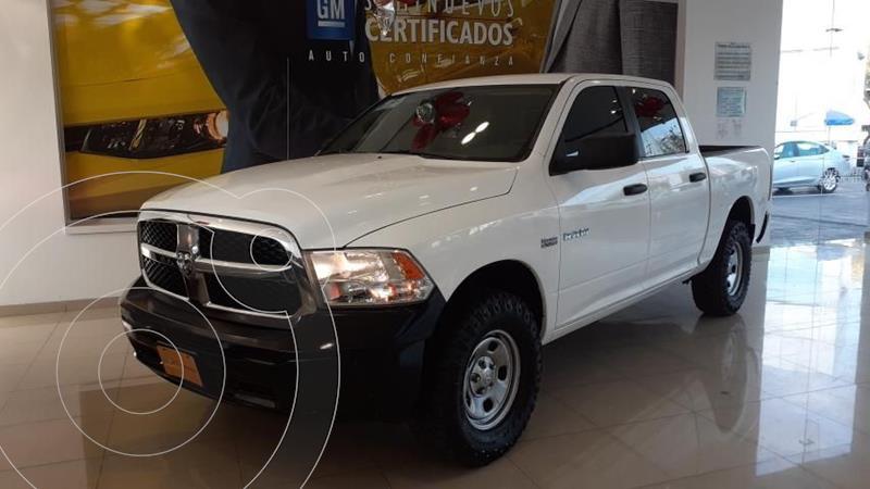 Foto RAM 2500 SLT 2500 Crew Cab Trabajo 5.7L Aut 6 vel 4x2 usado (2016) color Blanco precio $365,000