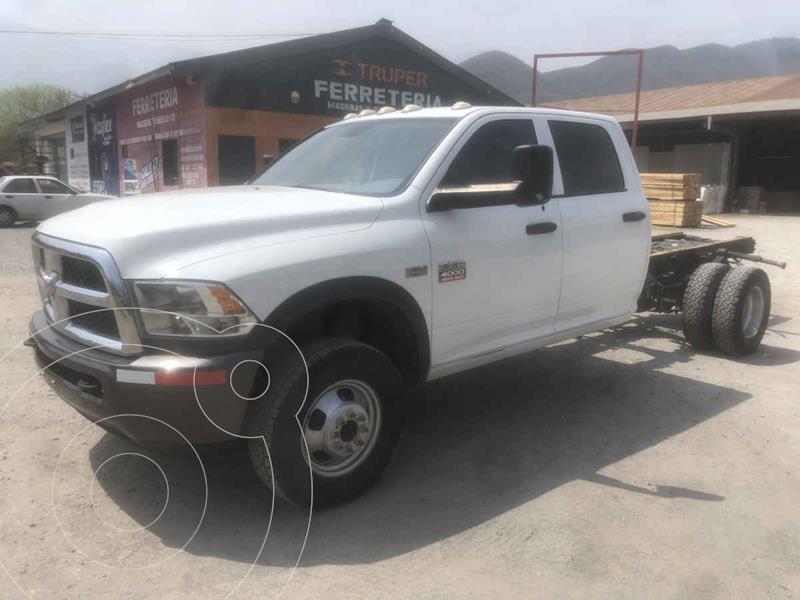 Foto RAM 1500 SLT Crew Cab 5.7L 4x4 usado (2015) color Blanco precio $389,000