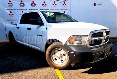 Foto venta Auto usado RAM RAM SLT 1500 Crew Cab Trabajo 3.6L Aut 8 vel 4x2 (2016) color Blanco precio $353,000