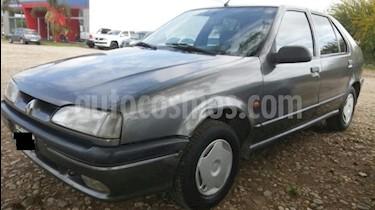 Foto venta Auto Usado Renault 19 Tric RL  (1994) color Gris Oscuro precio $1.111