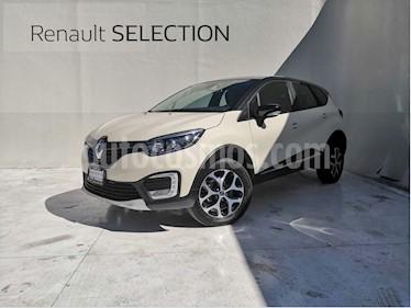 Foto venta Auto usado Renault Captur Iconic Aut (2017) color Beige precio $300,000