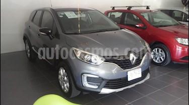 Foto venta Auto usado Renault Captur Intens Aut (2018) color Gris Metalico precio $274,900