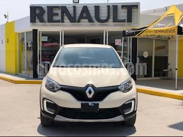 Foto Renault Captur 5p Intens L4/2.0 Aut usado (2019) color Blanco precio $290,000