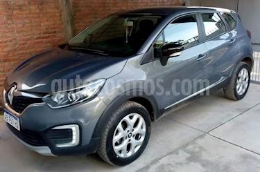 Foto venta Auto usado Renault Captur Zen (2017) color Gris precio $583.998