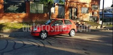 Foto Renault Clio 1.6 usado (1999) color Rojo precio $75.000