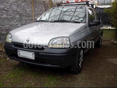 Renault Clio 1.6 RN 5P  usado (1999) color Gris Plata  precio $1.300.000