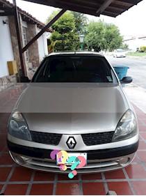 Foto Renault Clio expression 1.4  16V  110CV usado (2005) color Gris precio u$s2.600